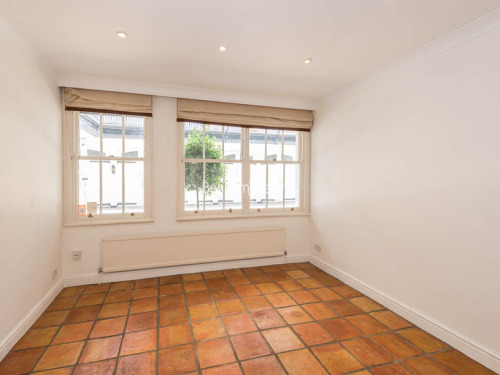 House To Rent In London L2L401-417