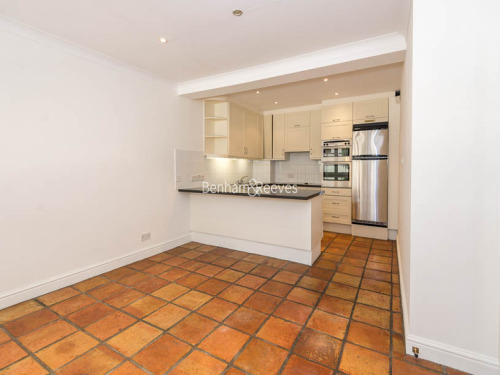 House To Rent In Queens Gate L2L401-417