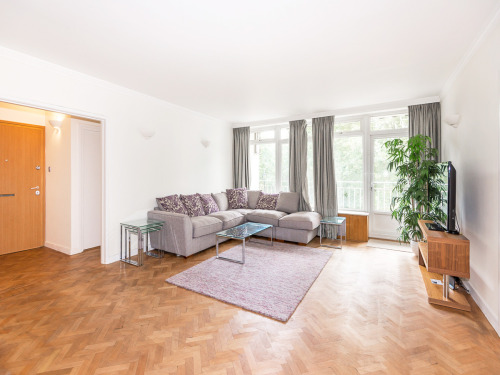 Property To Rent In London L2L402-303