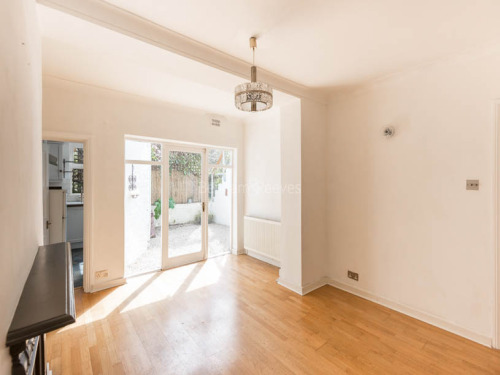 Property To Rent In London L2L403-213