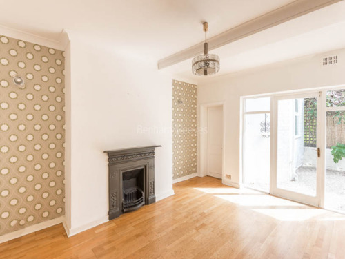 Flats And Apartments To Rent In London L2L403-213