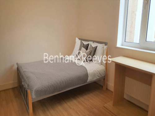 Flats And Apartments To Rent In Brompton L2L404-493