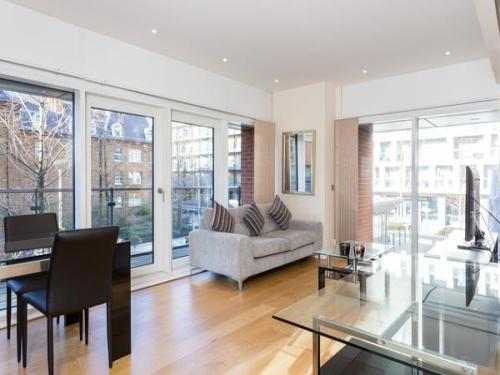 Property To Rent In London L2L404-508
