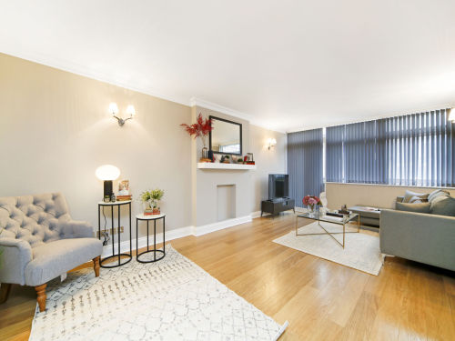 Property To Rent In London L2L404-370
