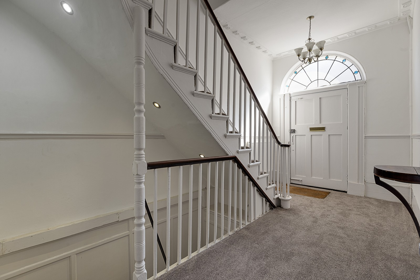 House To Rent In Oval L2L4043-624