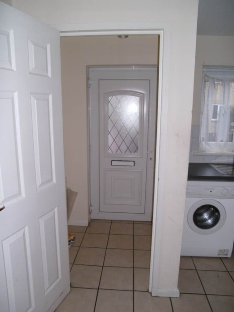 House To Rent In Thamesmead L2L408-168