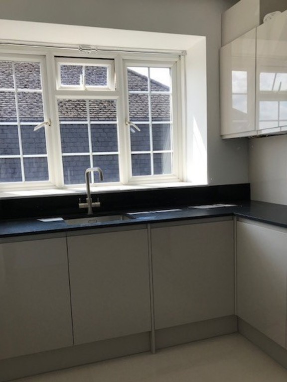 Property To Rent In London L2L412-356