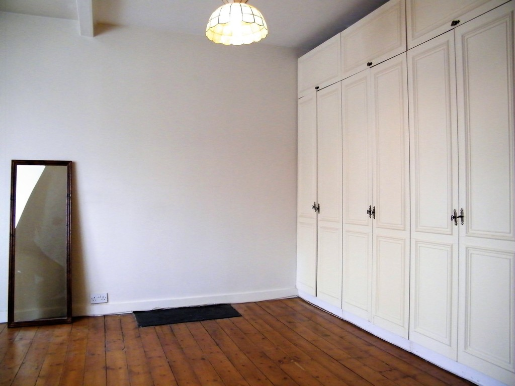 Student To Rent In London L2L412-357