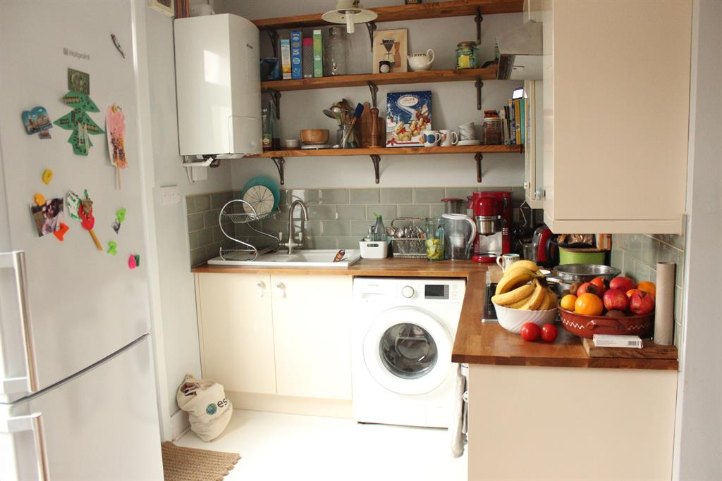 House To Rent In London L2L4121-438
