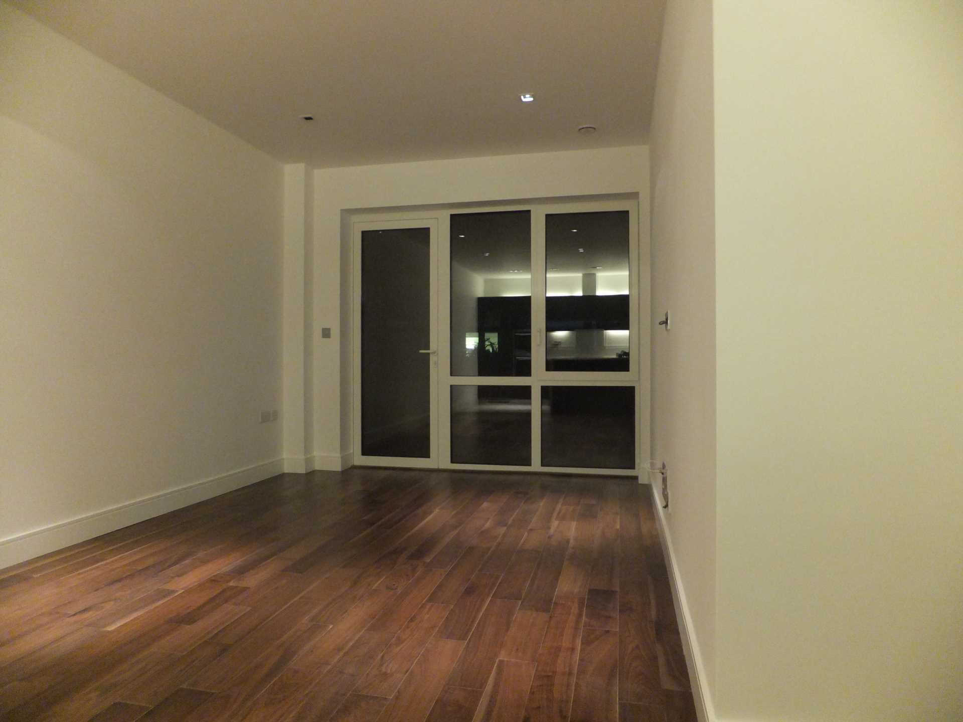 Property To Rent In London L2L4140-2218