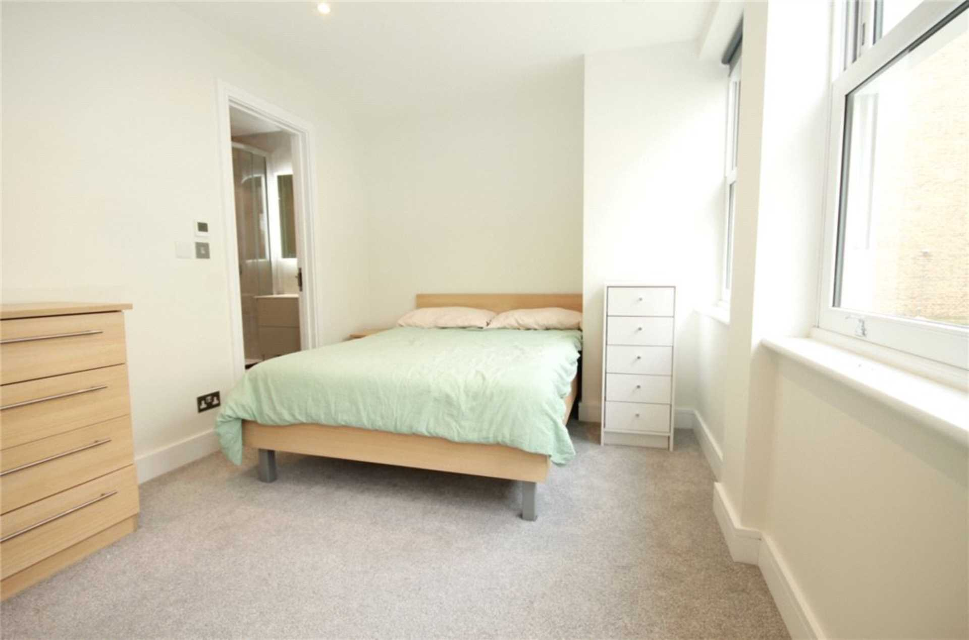 House To Rent In Ealing L2L4140-1886