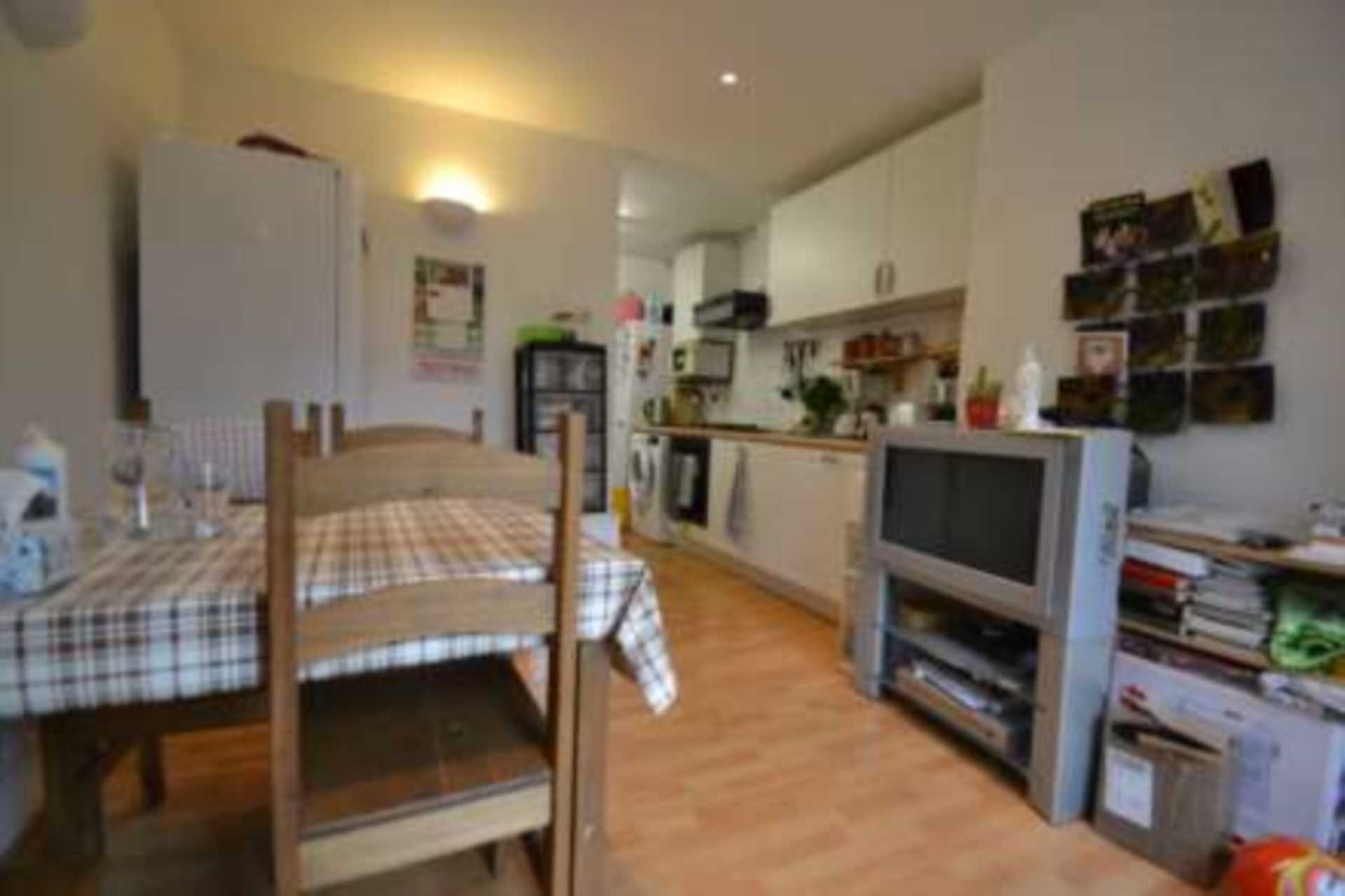 Flatshare To Rent In London L2L4140-100
