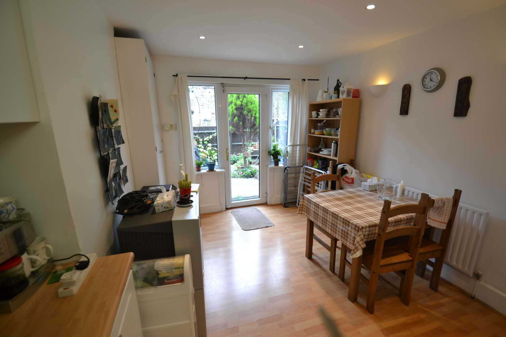 Flatshare To Rent In West Ealing L2L4140-100
