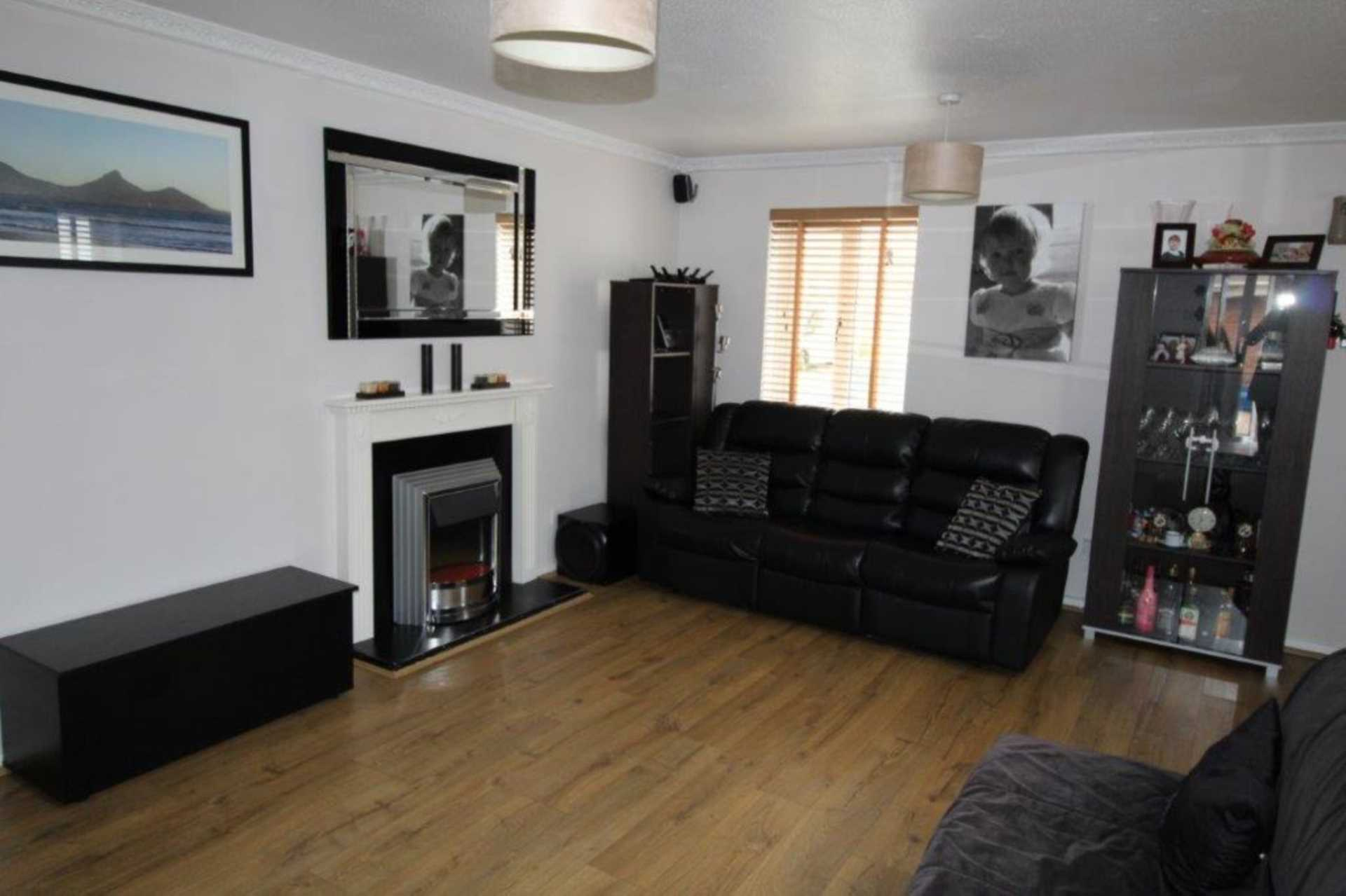 Property To Rent In London L2L4147-561