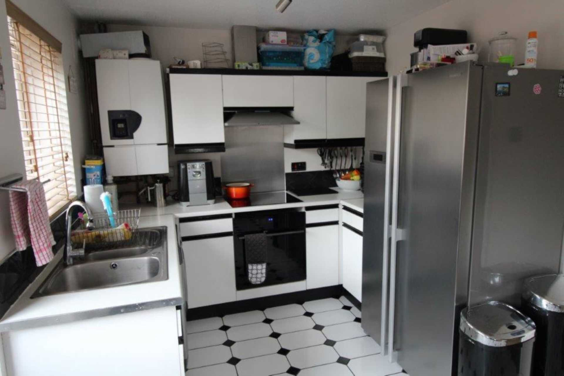 House To Rent In West Beckton L2L4147-561