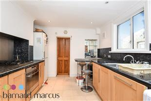 Property & Flats to rent with Barnard Marcus (Clapham) L2L416-406