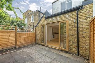 Property To Rent In London L2L420-504