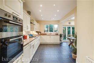 House To Rent In London L2L426-495