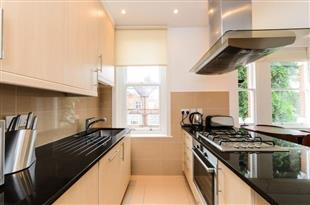 Rent In London L2L429-326