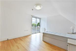 Rent In London L2L429-579