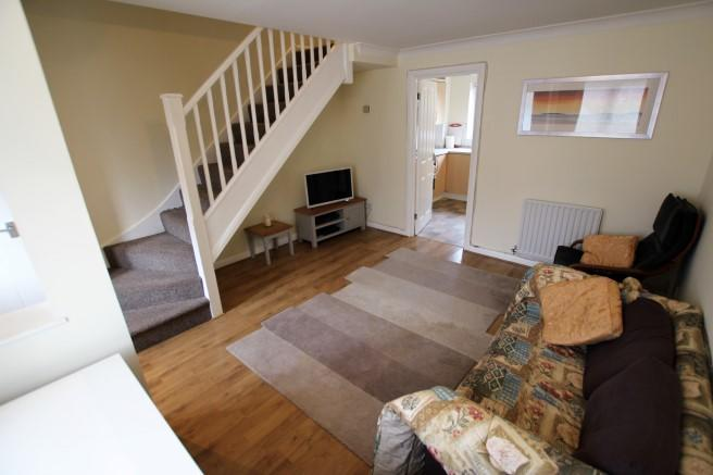 House To Rent In London L2L4365-100