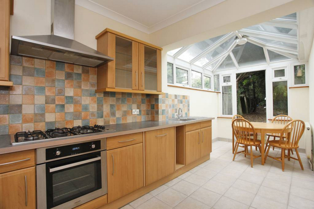 House To Rent In Hendon L2L4375-467