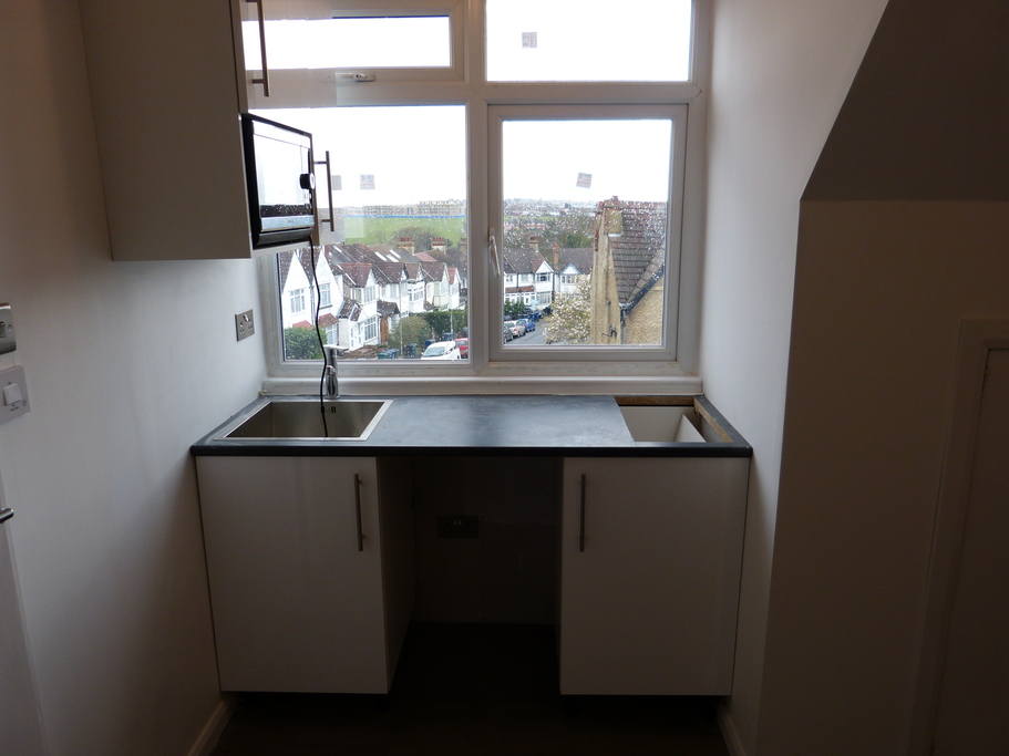 Parking And Other To Rent In Golders Green L2L4375-504