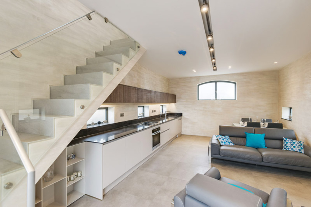 Property To Rent In London L2L4375-538
