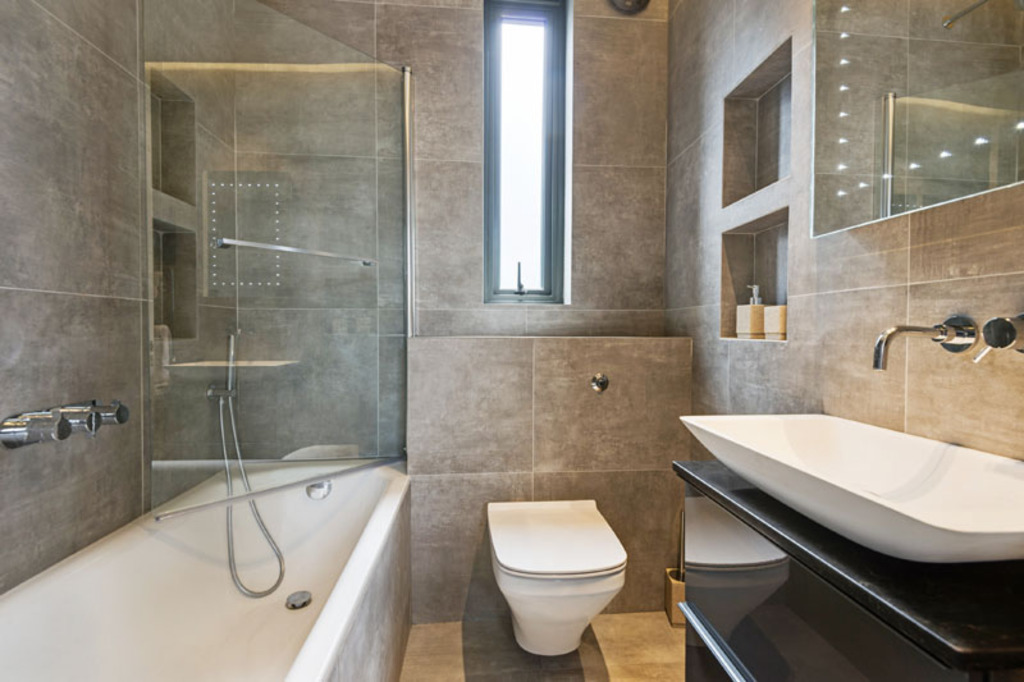 House To Rent In Golders Green L2L4375-538