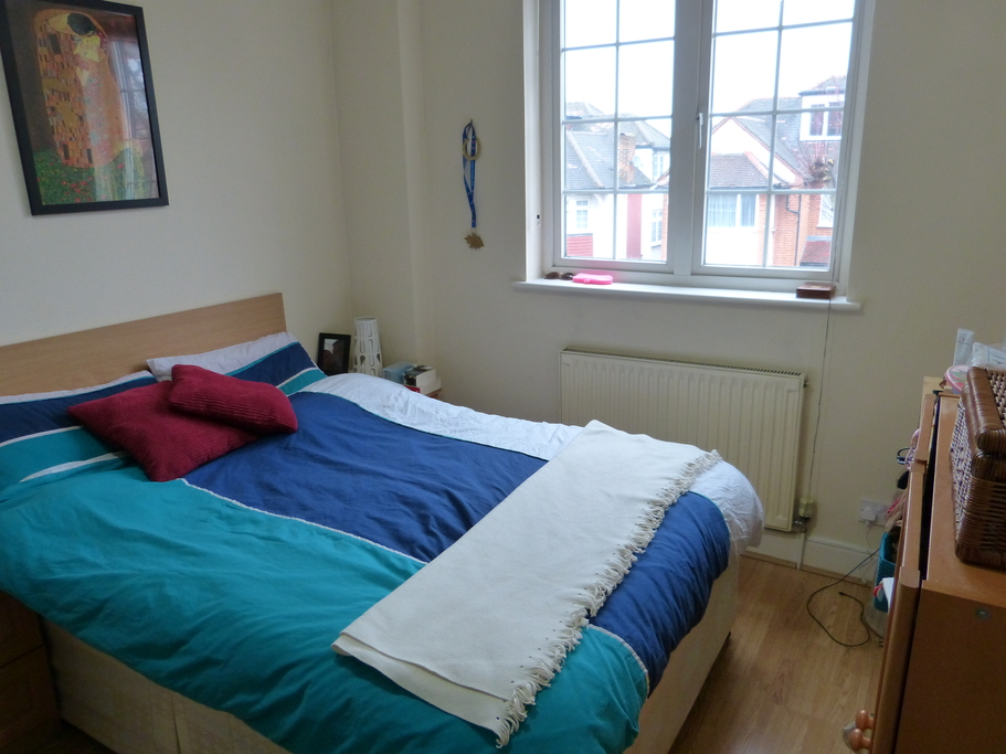 Parking And Other To Rent In Golders Green L2L4375-615