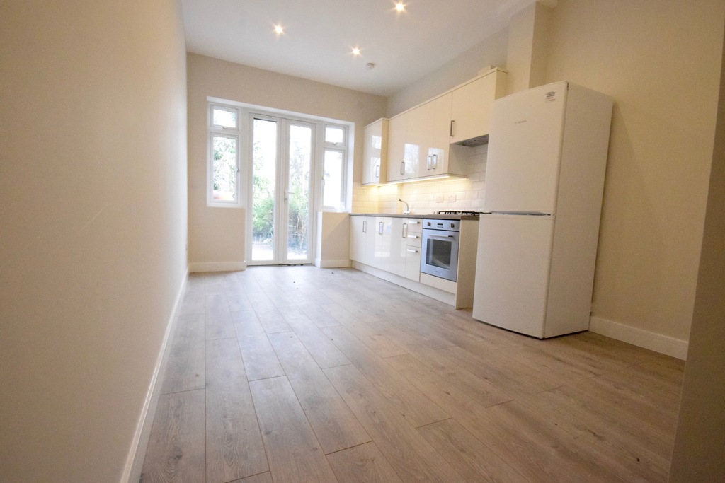 Property To Rent In London L2L4375-625