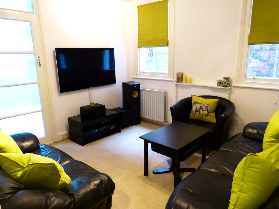 Parking And Other To Rent In London L2L4375-717