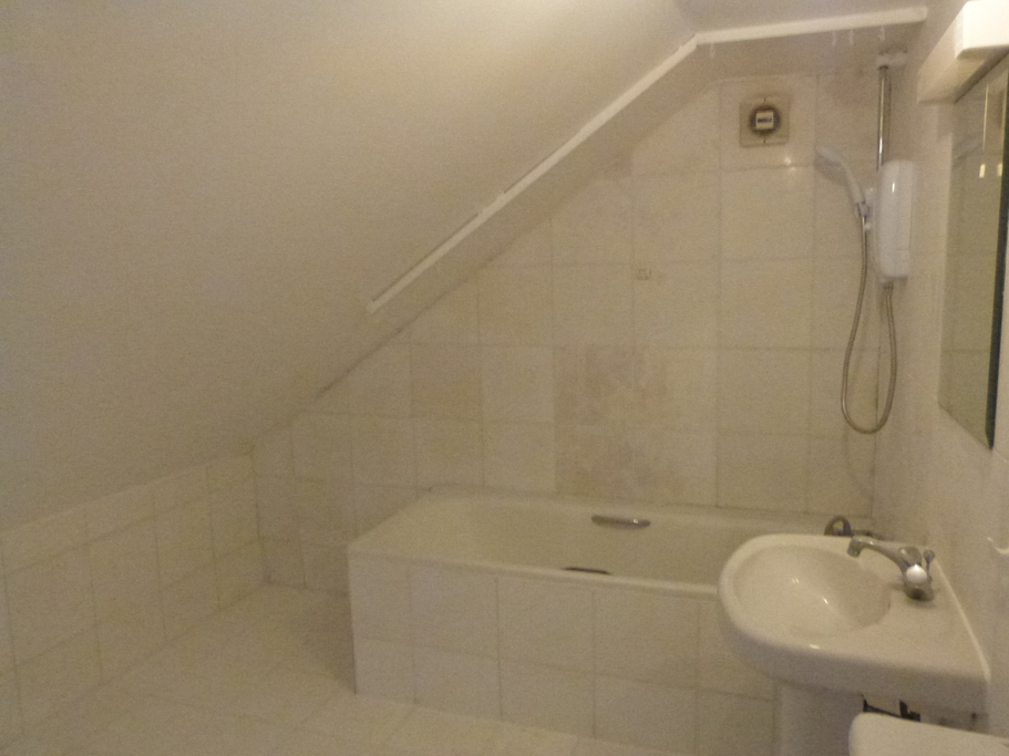 Parking And Other To Rent In Brondesbury L2L4375-901