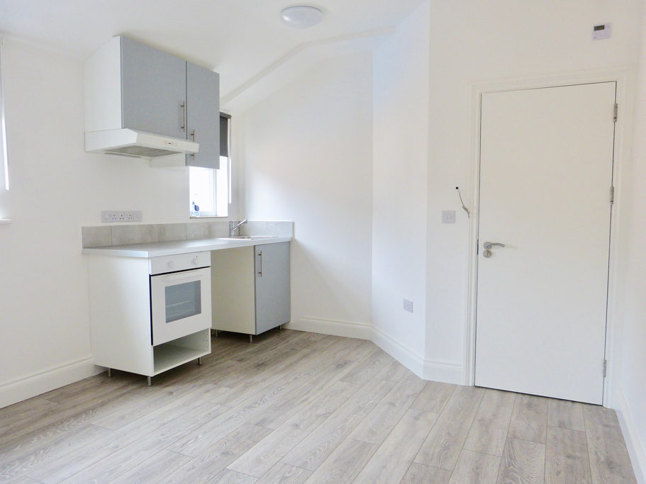 Property To Rent In London L2L4375-915