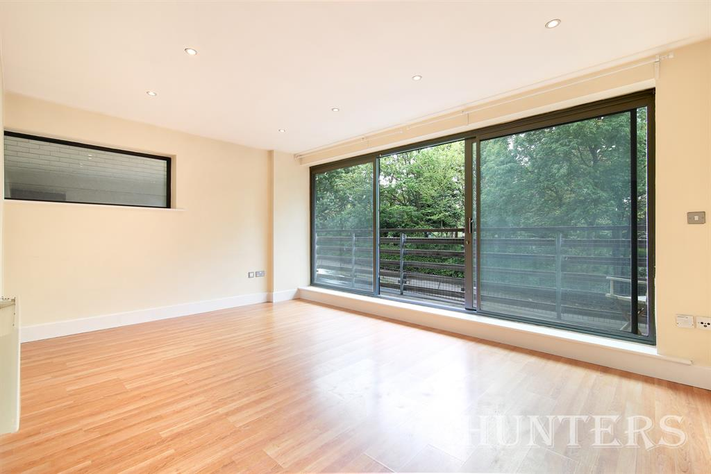 Property & Flats to rent with Hunters (Camberwell) L2L4393-249