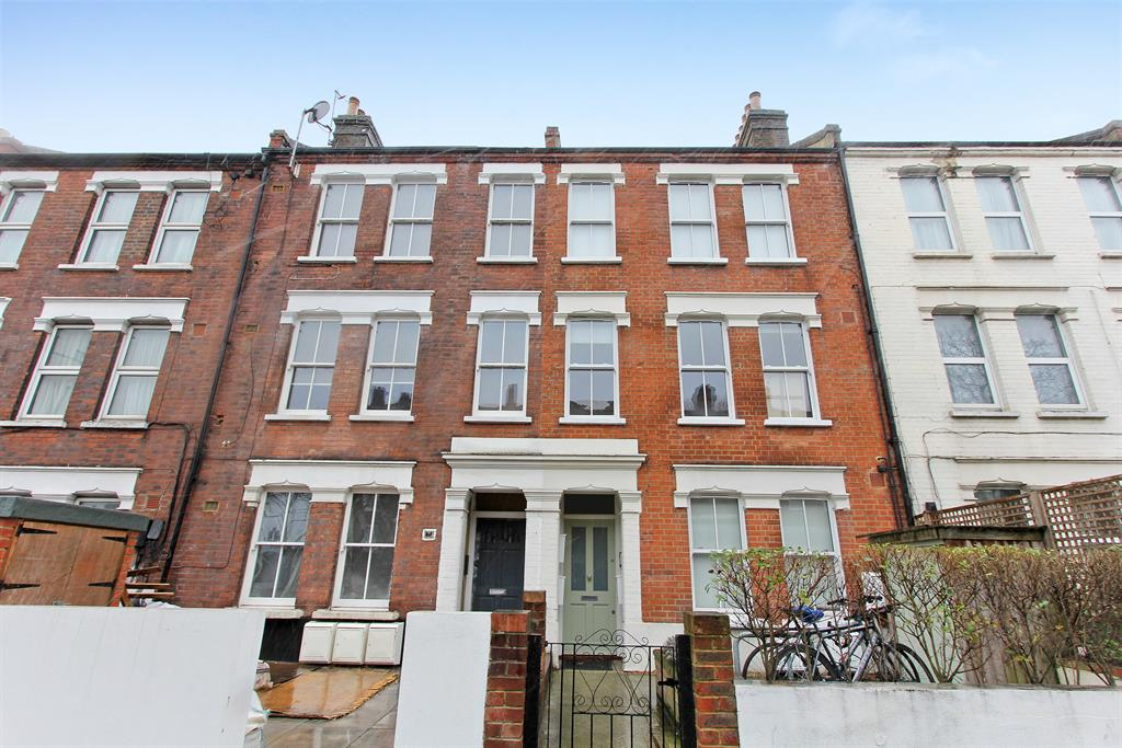 Property & Flats to rent with Hunters (Camberwell) L2L4393-157