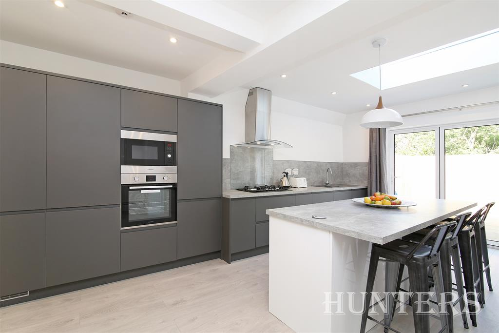 Property & Flats to rent with Hunters (Camberwell) L2L4393-169