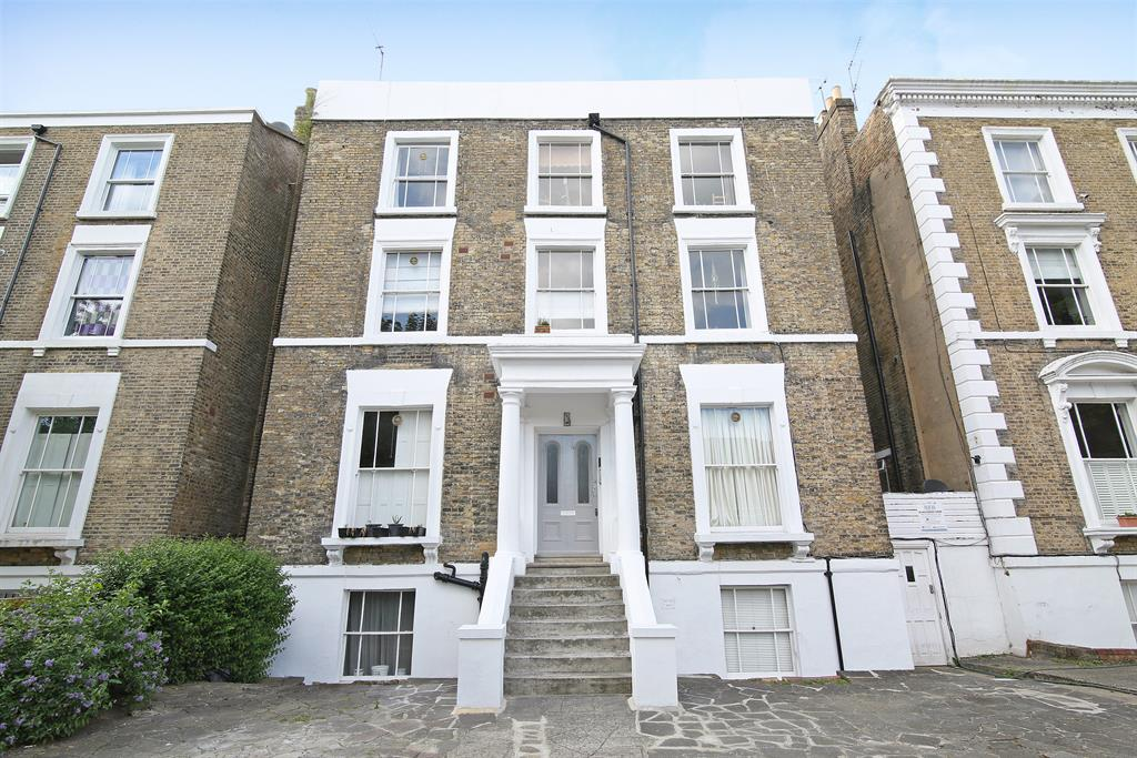 Property & Flats to rent with Hunters (Camberwell) L2L4393-400