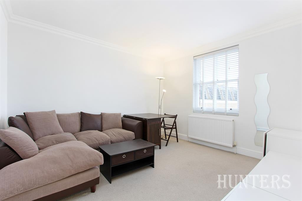 Property & Flats to rent with Hunters (Camberwell) L2L4393-429