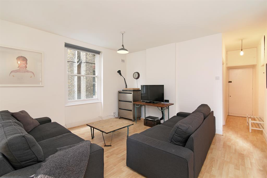 Property & Flats to rent with Hunters (Camberwell) L2L4393-444