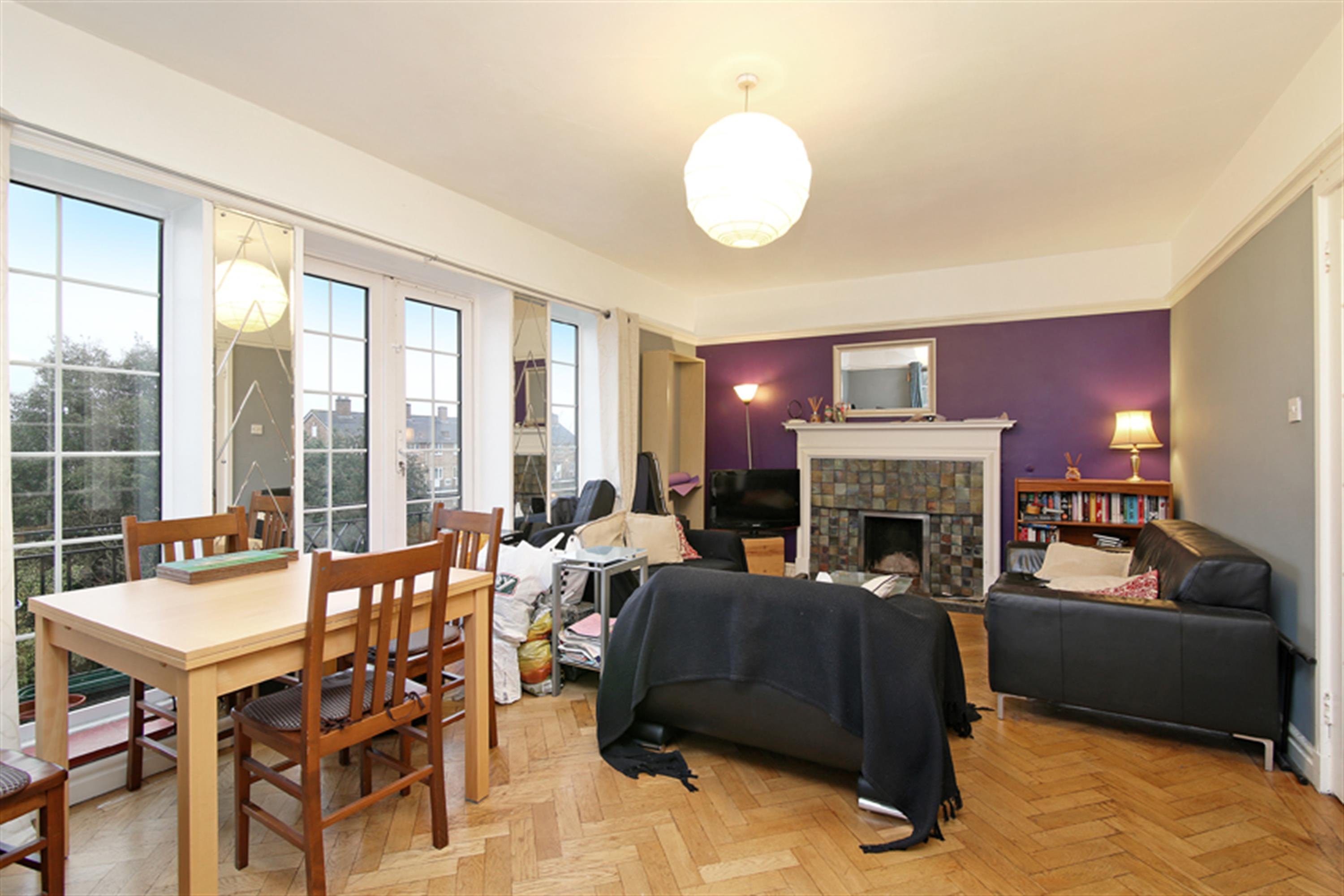 Property & Flats to rent with Hunters (Camberwell) L2L4393-446