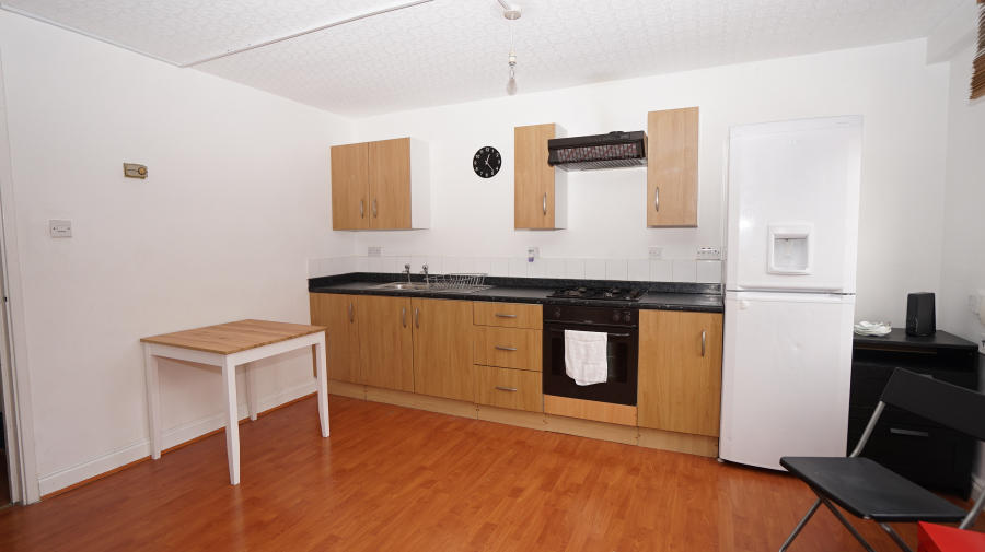 Property To Rent In London L2L4413-1119
