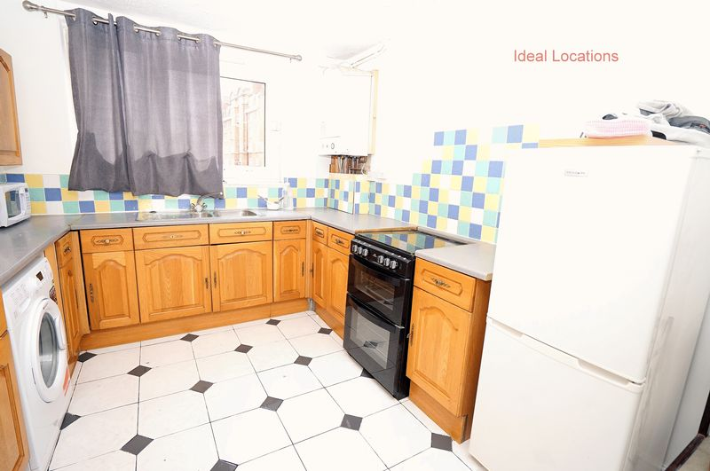 Property & Flats to rent with Ideal Locations L2L4413-460