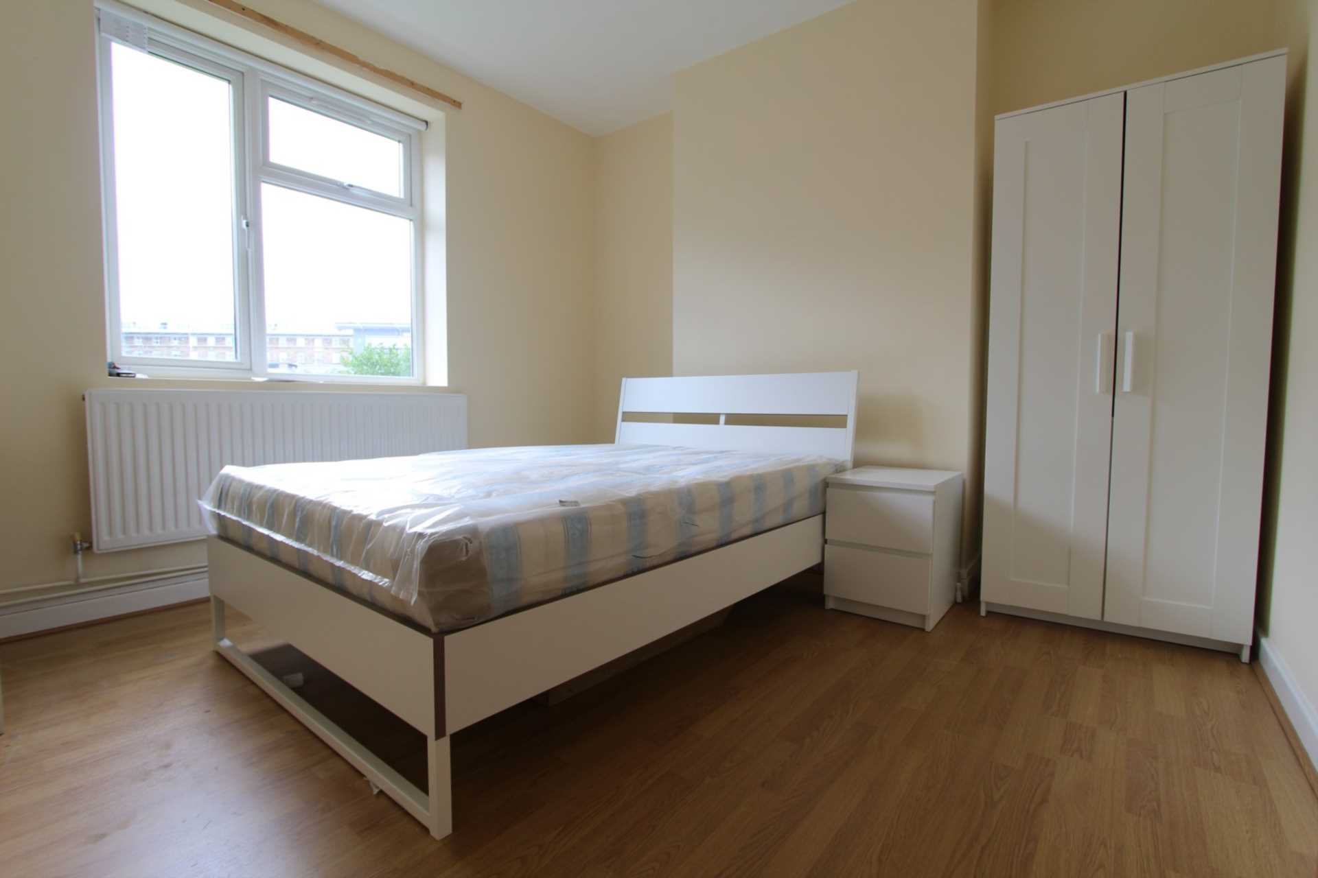 Property To Rent In London L2L4560-121