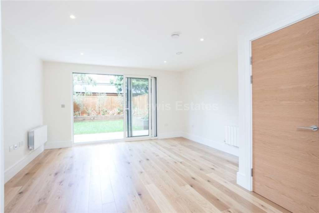 Rent In London L2L4560-679