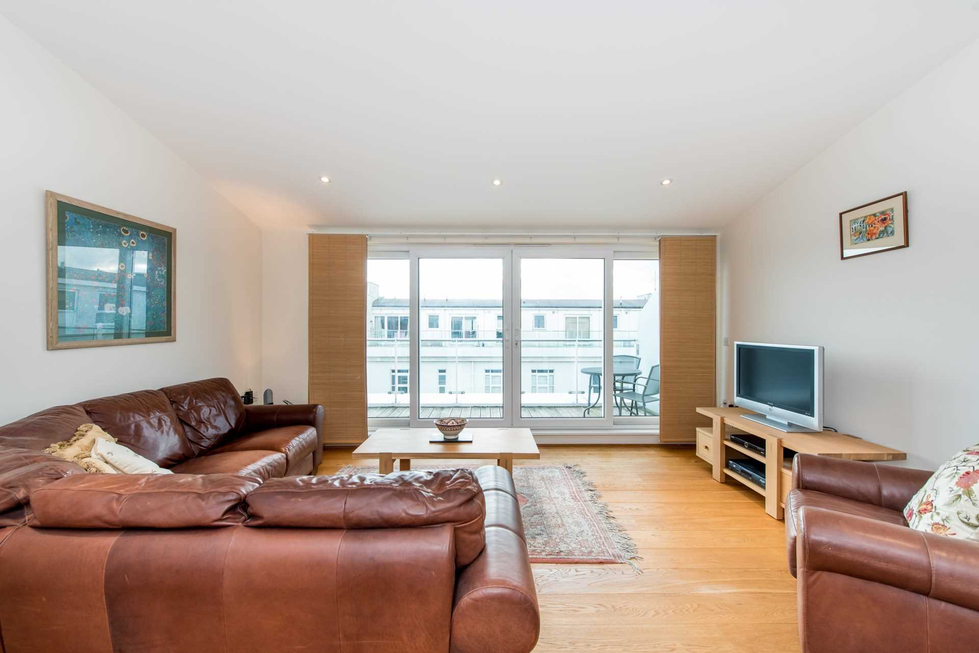 Flats And Apartments To Rent In London L2L4560-100