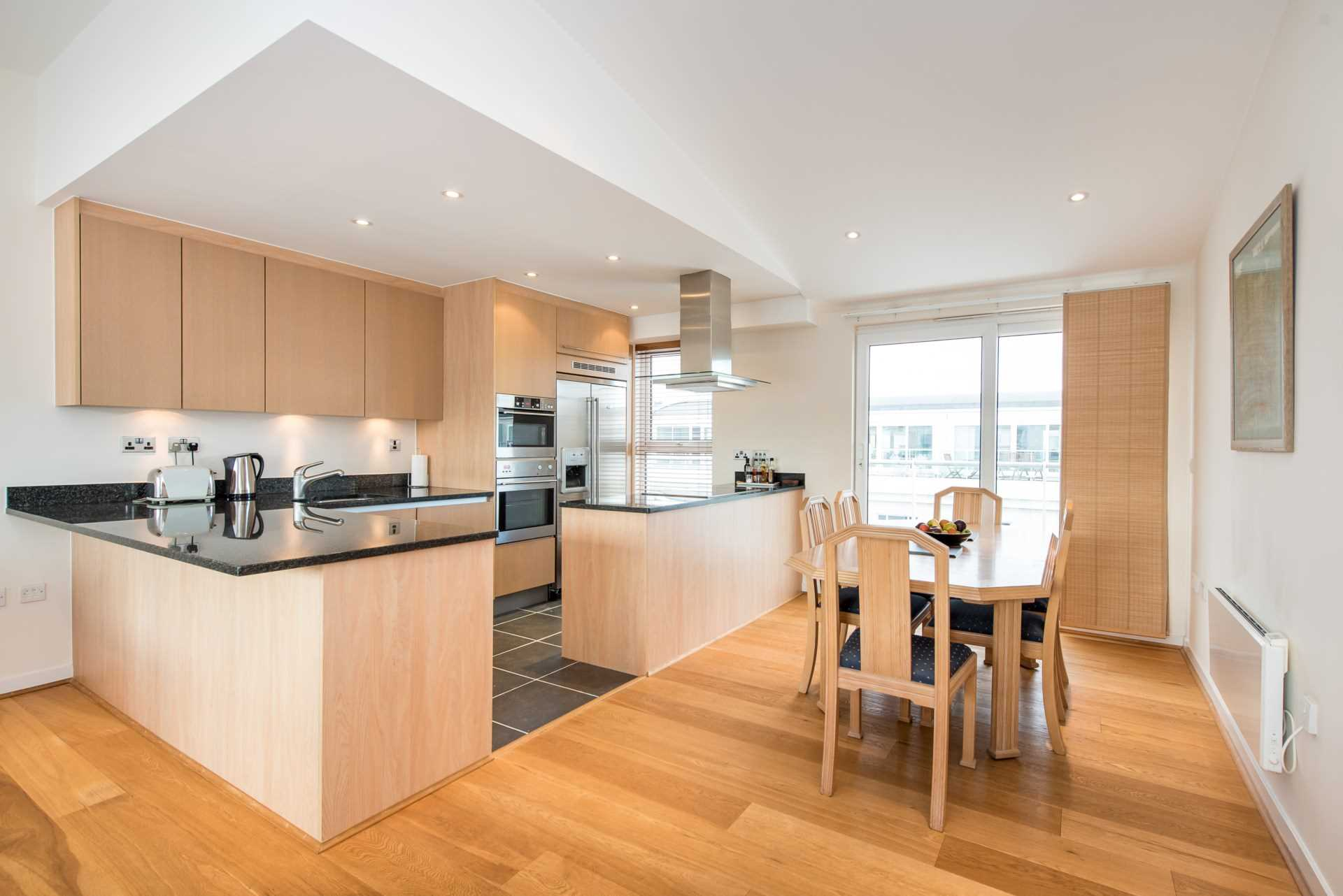 Flats And Apartments To Rent In Shepherds Bush L2L4560-100