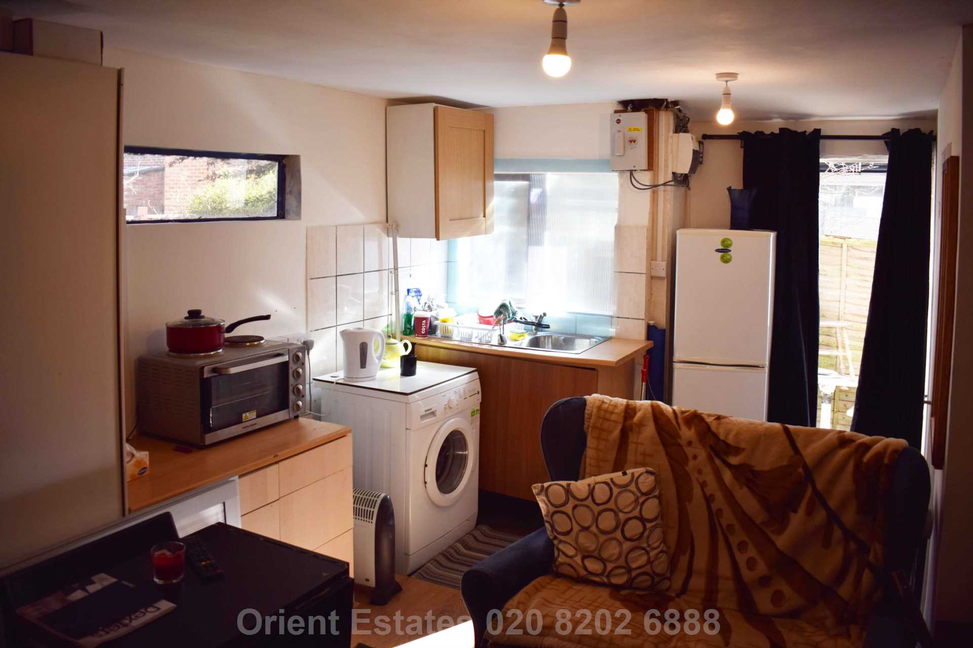 Student To Rent In London L2L4562-328