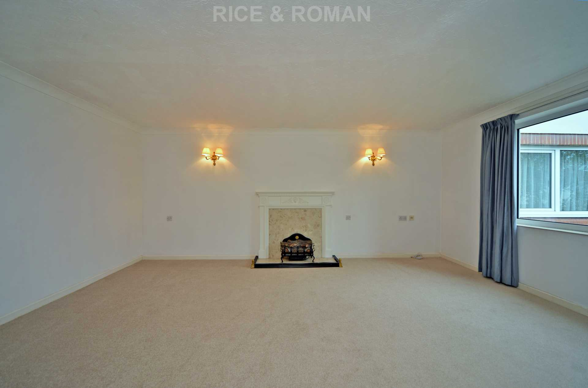 House To Rent In London L2L4571-343