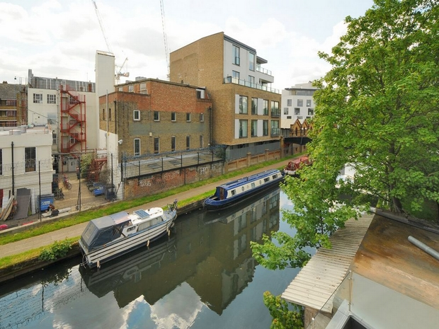 Flats And Apartments To Rent In London L2L4586-157